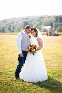 jess-and-dustin-bride-and-groom-25-XL 3