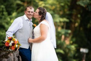 jess-and-dustin-bride-and-groom-6-XL 3